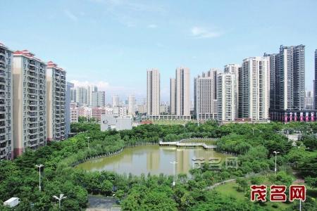 茂名市南香公园_茂名市城市建设日新月异,市中心城区绿荫环抱的南香公园与西粤路的