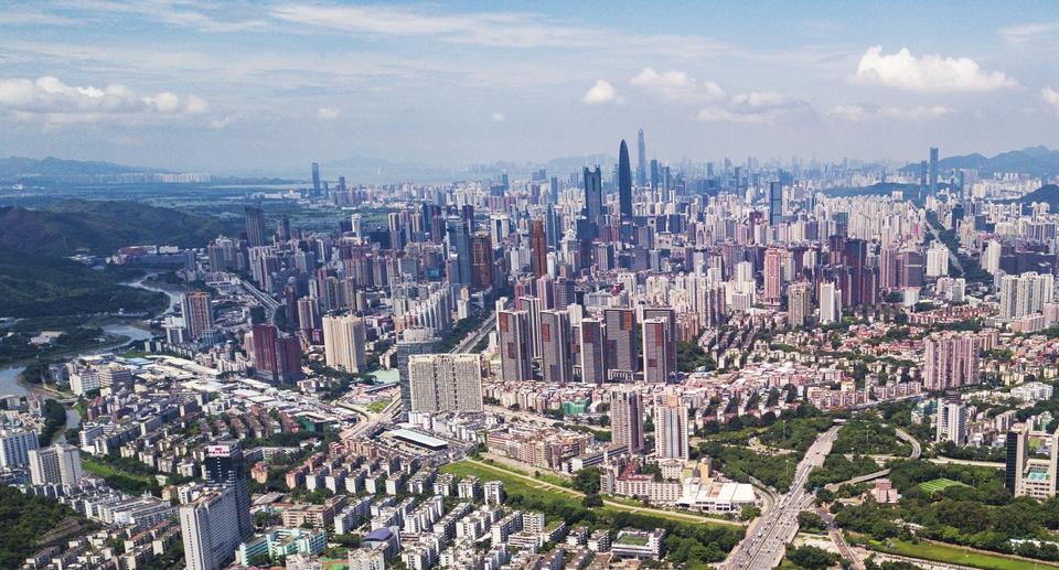 伶仃洋畔,广州南沙,深圳前海,珠海横琴三个自贸片区如珍珠散落其间